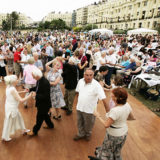 https://www.basingstokefestival.co.uk/wp-content/uploads/2018/05/tea-dance-e1526983211174-160x160.jpg